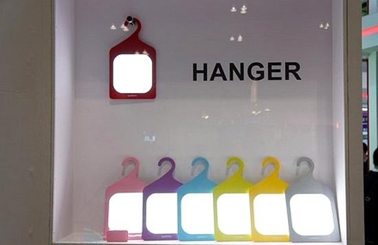 Hanger OLED