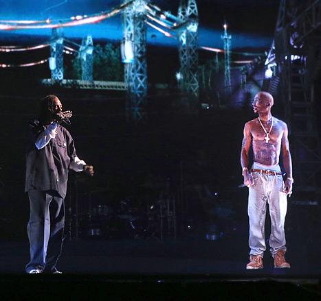 Tupac Shakur żyje