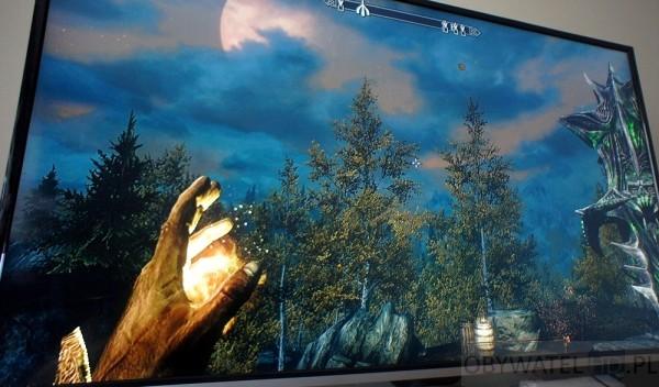 Toshiba 58L7365 - gry wideo Skyrim