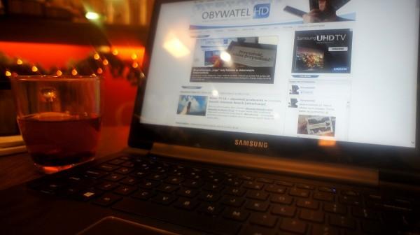 Samsung ATIV Book 9 Plus - kawiarnia