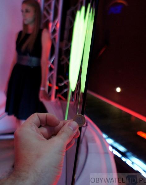 OLED LG 55EA98 grubość