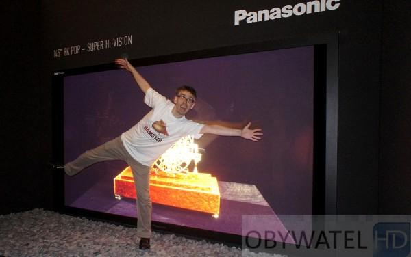 Panasonic plazma 145 cali 8K