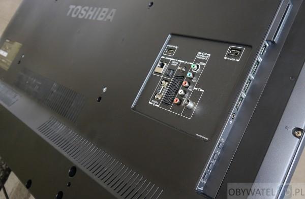 Toshiba L74 - złącza