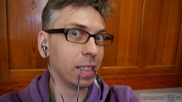Pierwszy na świecie bloger ze słuchawką w buzi