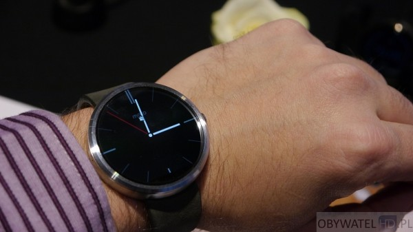 Motorola - Moto 360 na ręce