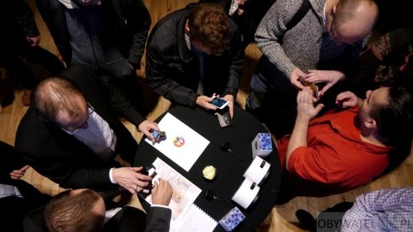 Motorola - sprzęt przy stole