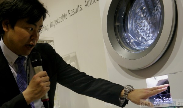 Panasonic Convention 2015 - pralka z czujnikiem optycznym