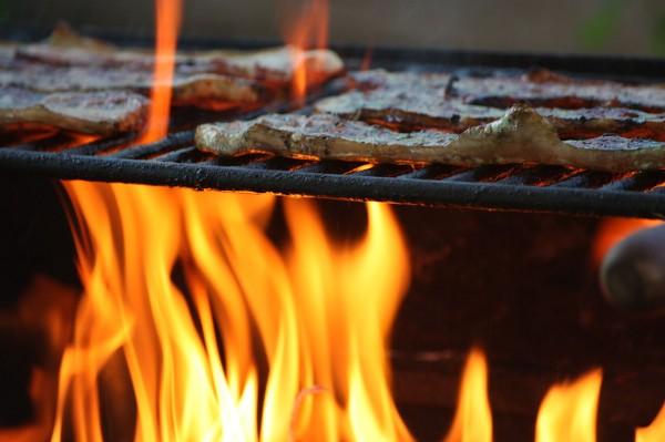 Manuel QC La llama de la barbacoa BBQ