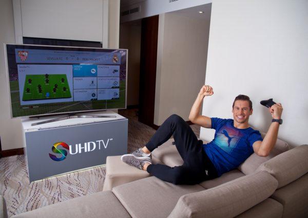 Grzegorz Krychowiak i Samsung SUHD TV