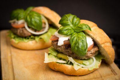 hamburger_dla_bezdomnych