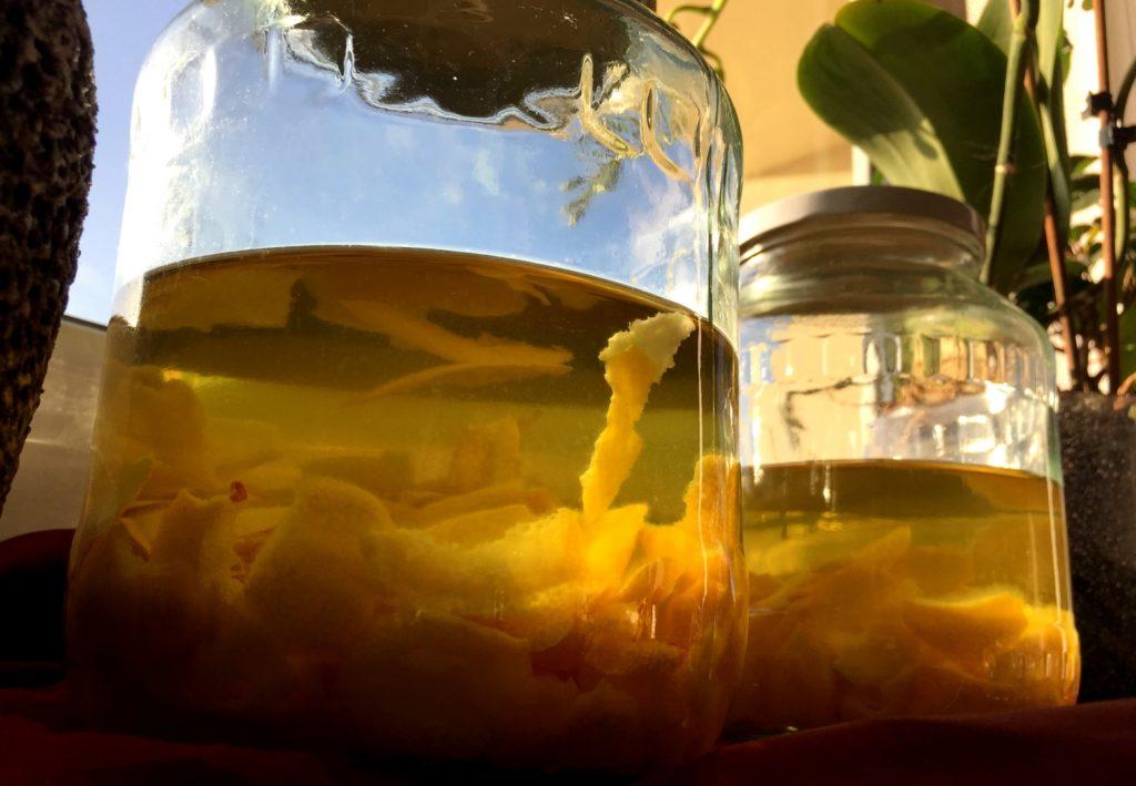 domowa-cytrynowka-5-skorki-cytryn-w-spirytusie